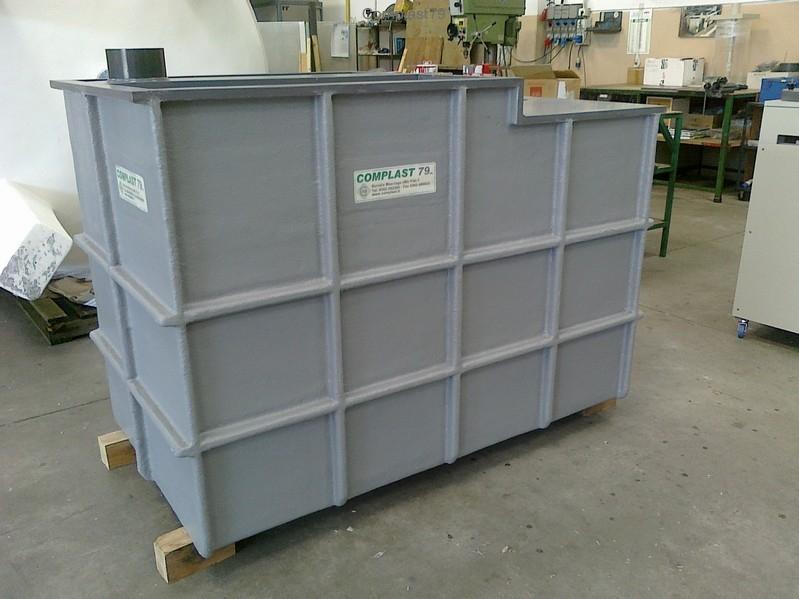 Vasche per prodotti chimici in pvc polipropilene per for Vasca pvc laghetto