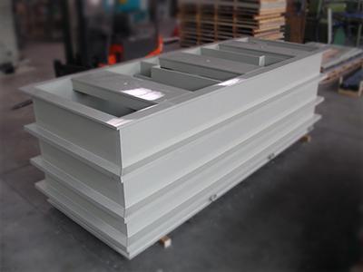 Complast 79 vasche in materiale acido resistente su misura